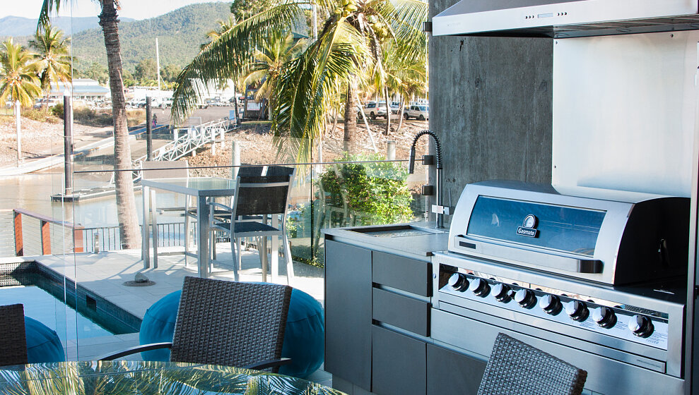 Patio BBQ with side burner & crab cooker