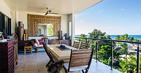 Trinity Beach Penthouse balcony & sea view