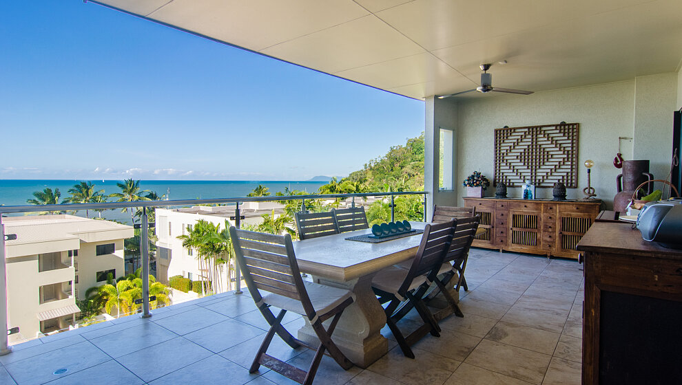 Trinity Beach Penthouse balcony & view Of Earl Hill & Cape Grafton