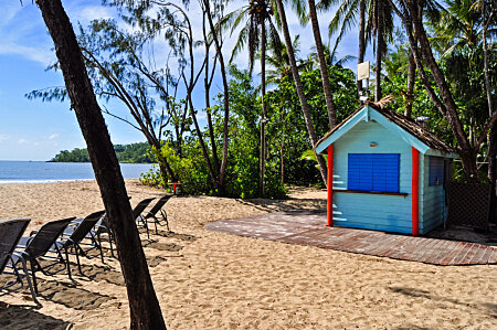 Kewarra Resort  beach bar