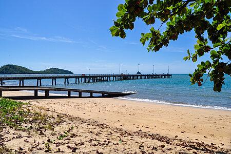 Palm Cove pier & Double Island