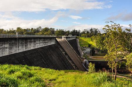 Tiinaroo Falls dam wall