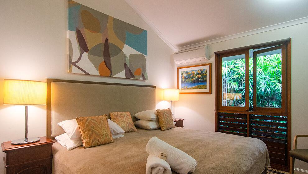Shanee Prana king bedroom 2