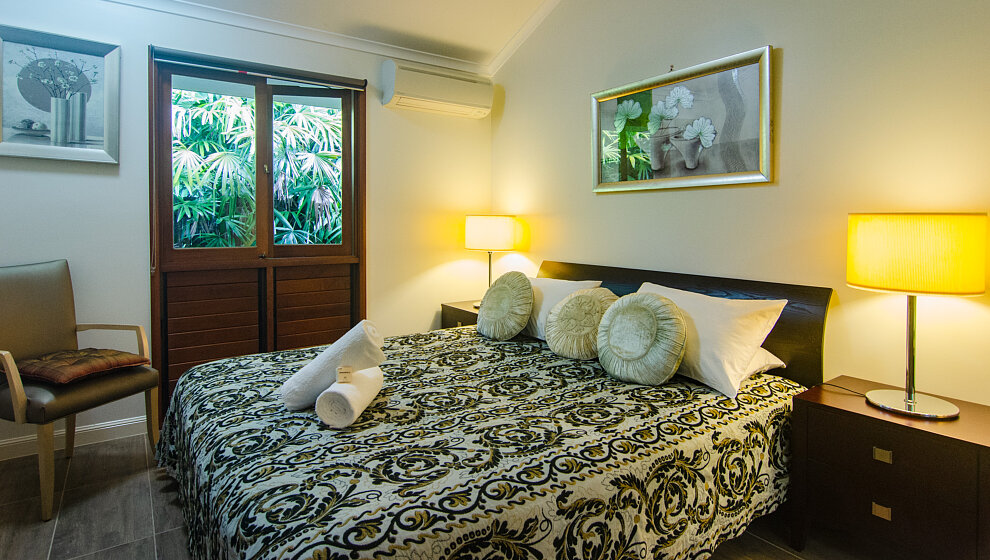 Shanee Prana queen bedroom 3