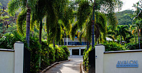 Avalon gate & driveway