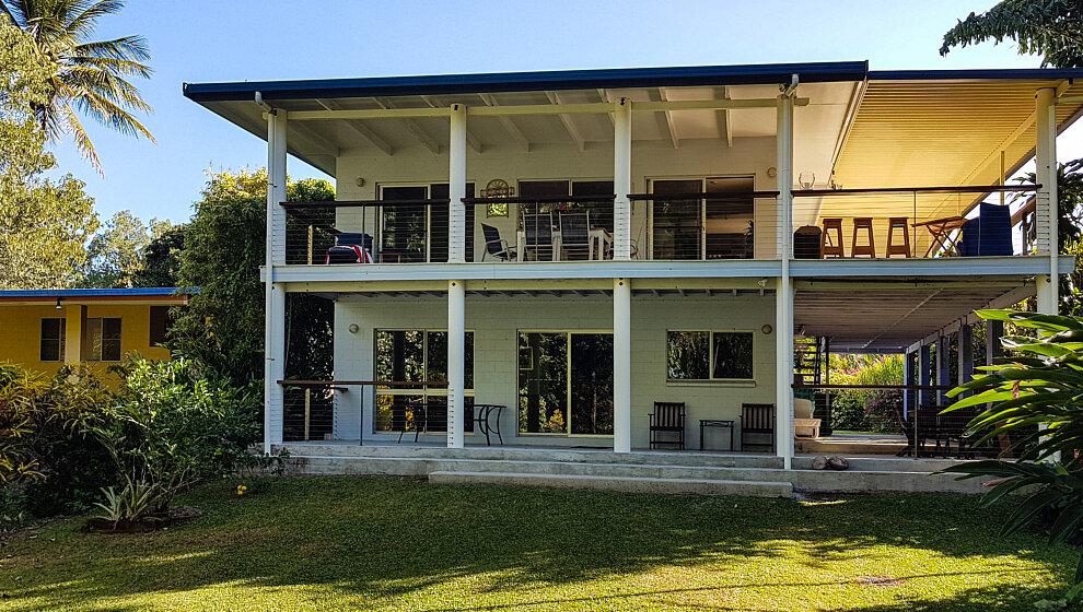 The Beachie - upstairs apartment