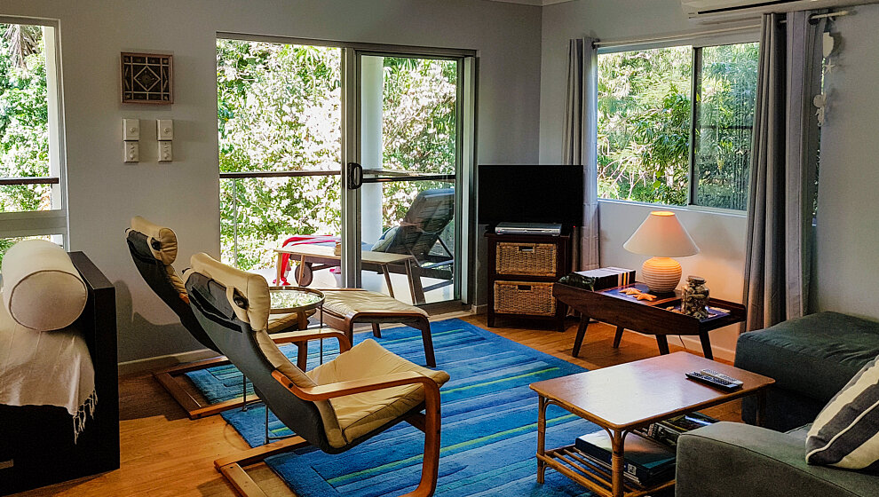 The Beachie living room & TV