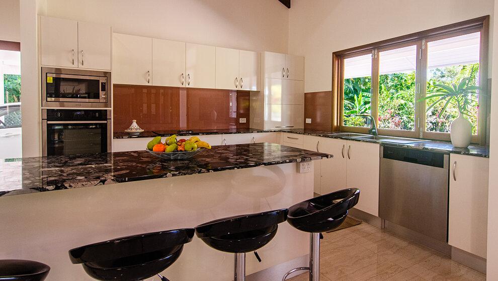 Shanee Prana kitchen