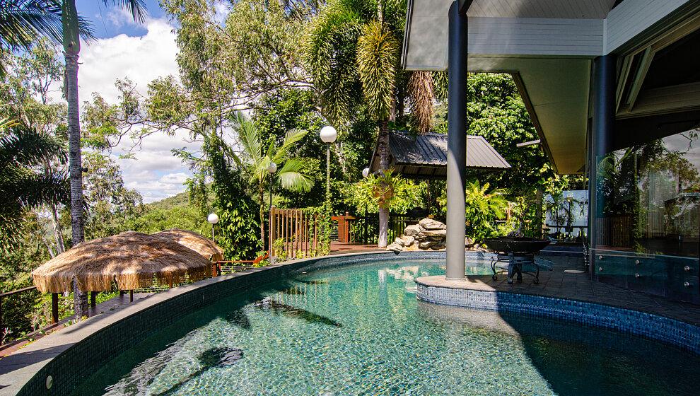 Sapphire Ridge swimming pool