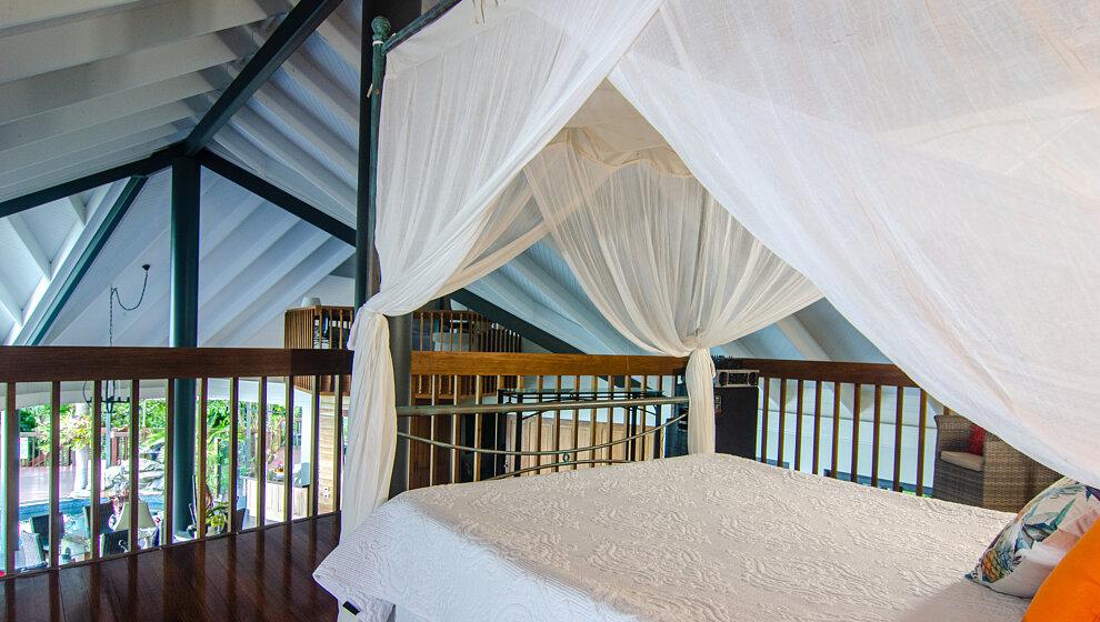 Sapphire Ridge queen bedroom 5