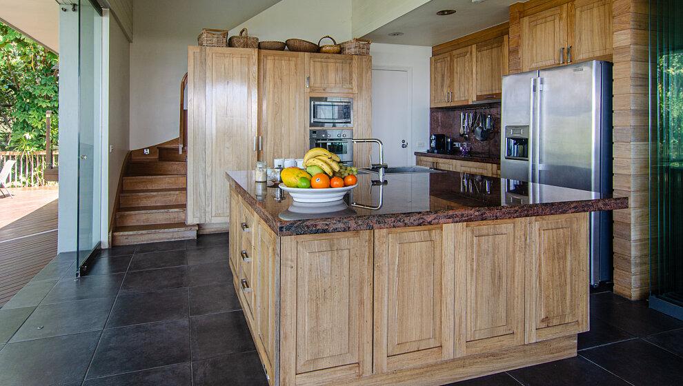 Sapphire Ridge kitchen