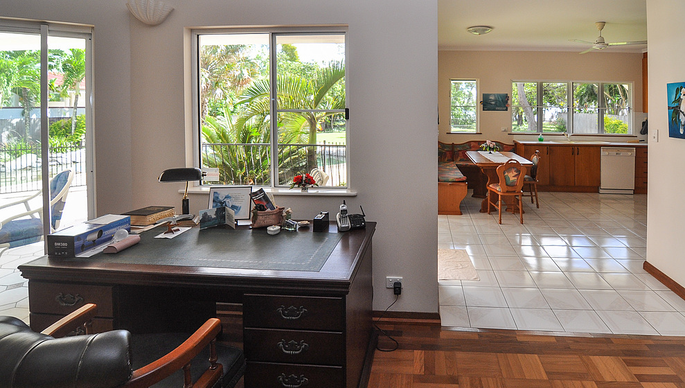 Kewarra Beachfront House - Writing desk & kitchen