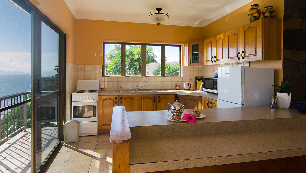 A Villa Gail - kitchen & balcony