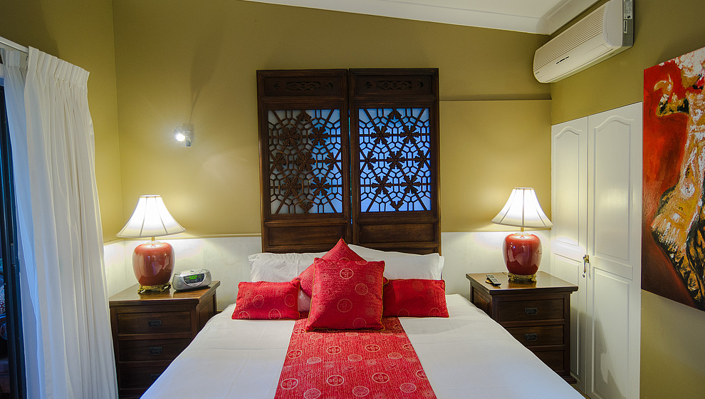 Touch of Bali - King bedroom