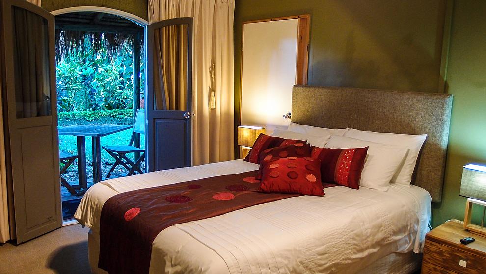 Touch of Bali - Queen bedroom 4