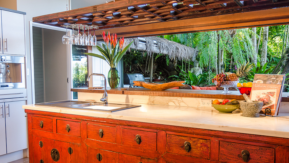 Touch of Bali - Kitchen bench/bar