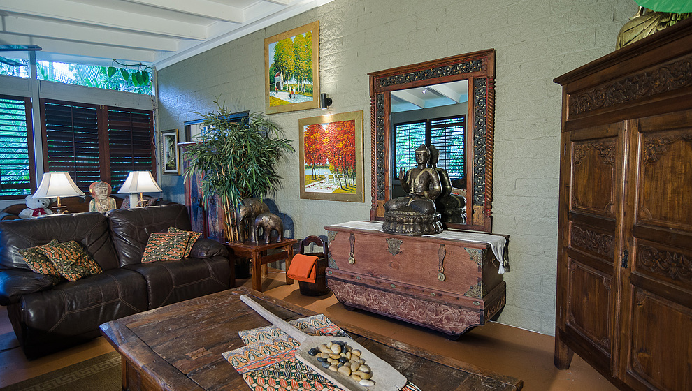 Touch of Bali - living room antiques
