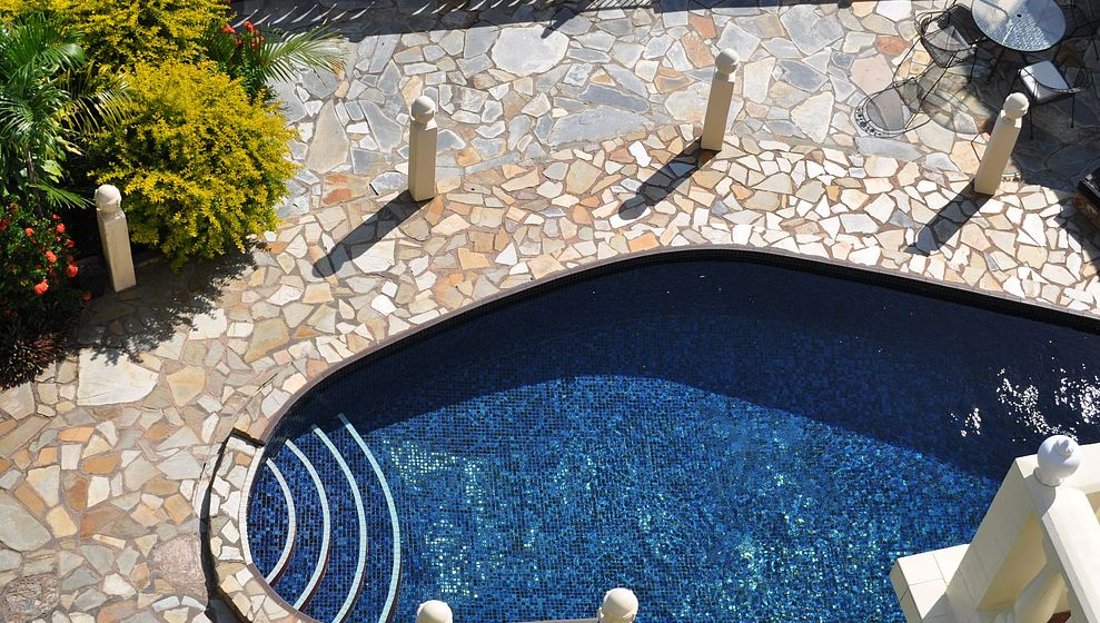 Sparkling tiled pool at Avillagail