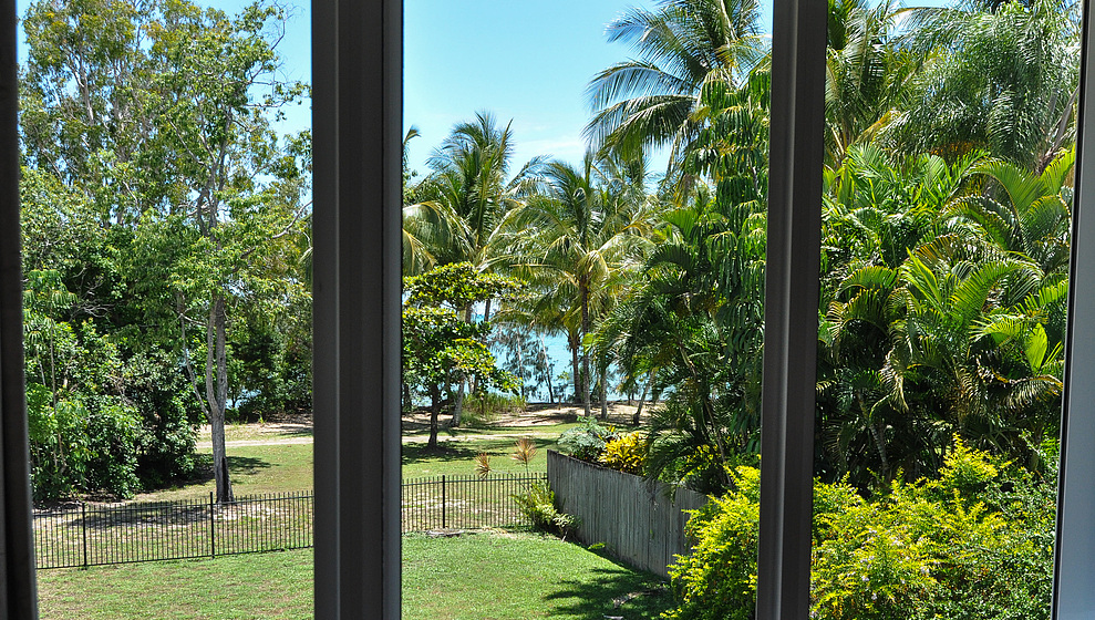 Kewarra Beachfront House - window view from king bedroom