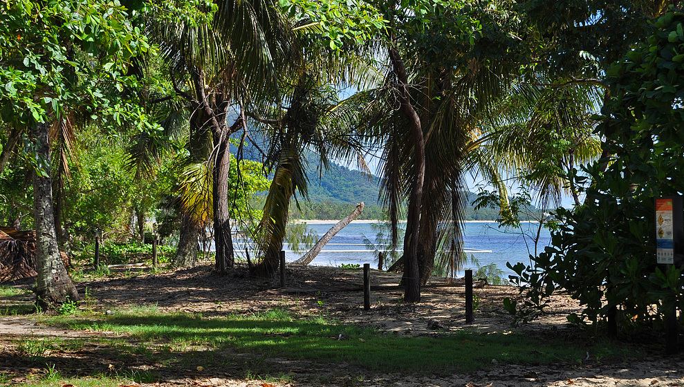Kewarra Beachfront House - beach reserve looking towards Palm Cove