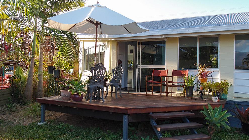 Pandanus garden deck