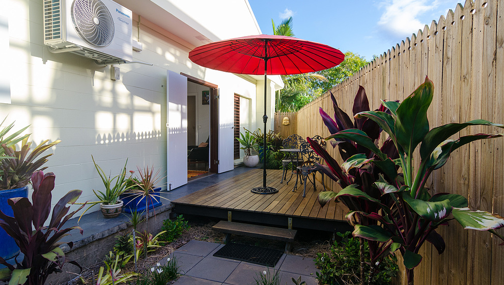 Pandanus - Breadfruit Studio (Queen bedroom 5) entrance deck