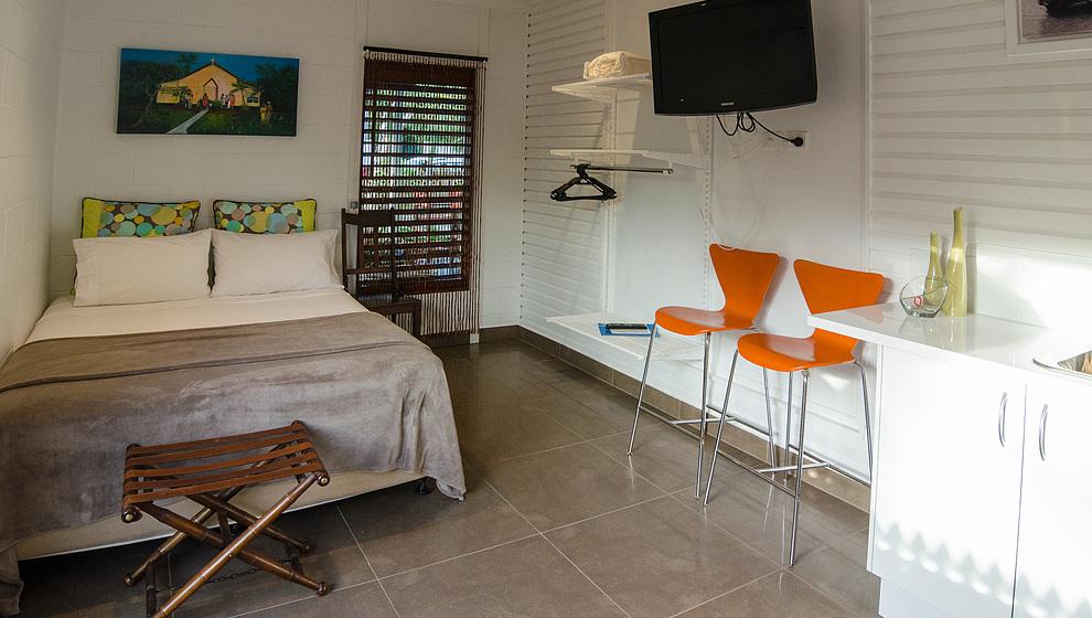 Pandanus - Breadfruit Studio queen bed & large TV