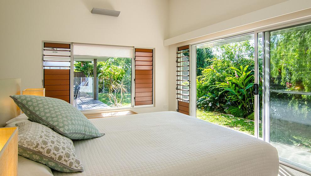 Bambusa queen bedroom 1 with garden access