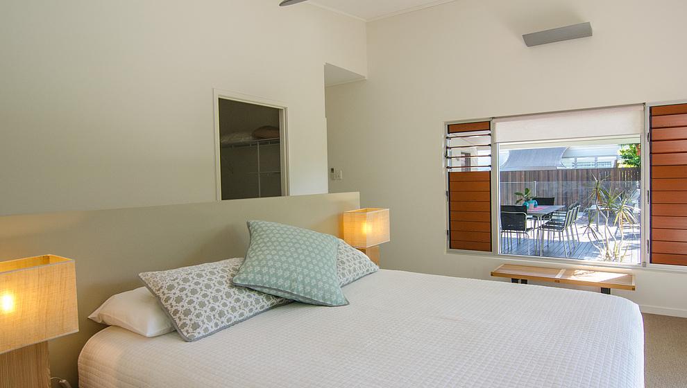 Bambusa queen bedroom 1