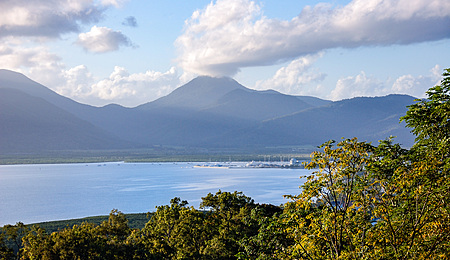 Trinity Bay, Cairns Marlin Marina and May Peak from Red Arrow track, Cairns