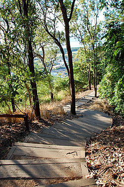 Path down from Red Arrow summit, Cairns
