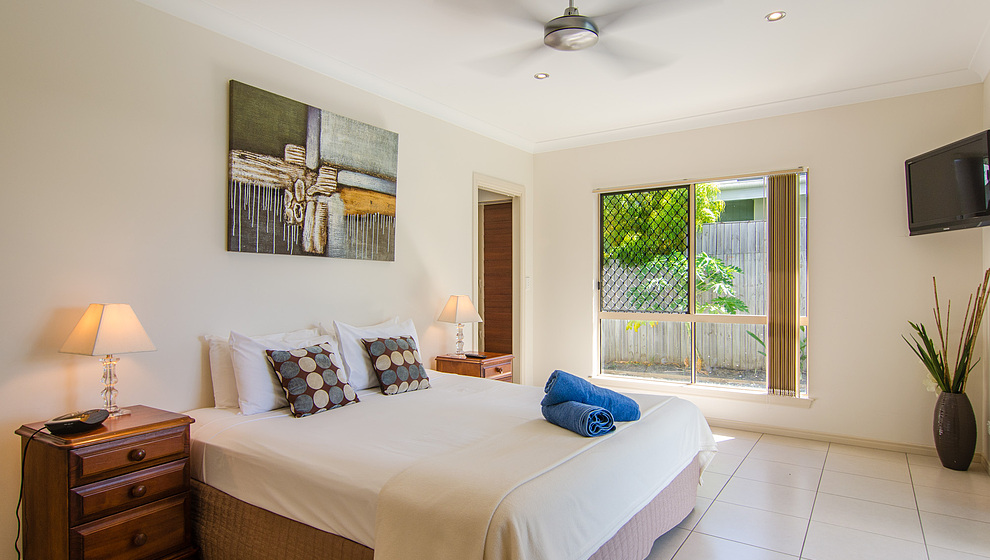 Eden queen bedroom 1